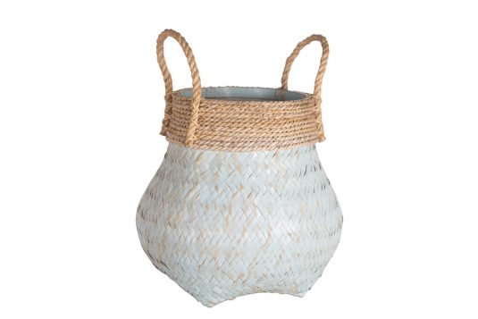 Picture of weaved basket with handles from front