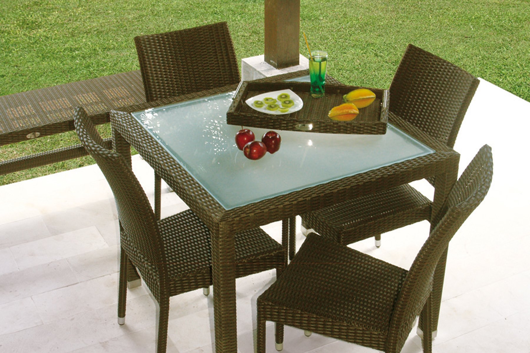 Visualizza dettagli tavolo quadrato il giardino di legno for Tavolo quadrato grande