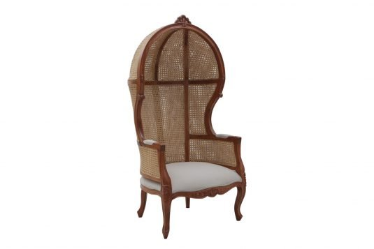 Picture of lounge chair with wood doff clear finishing
