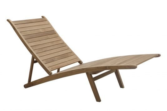 Picture of adjustable deckchair with leg rest with fine sanded wood finishing