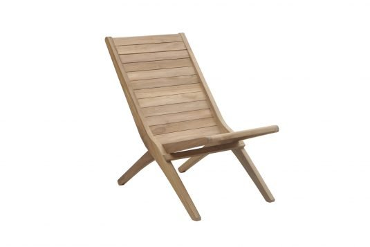 Picture of deckchair with fine sanded wood finishing