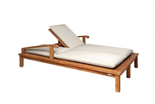 Picture of double sunlounger with wheels from side