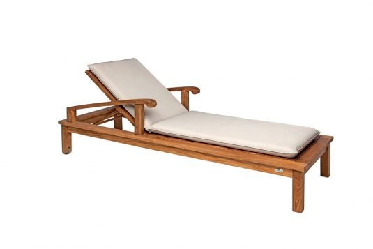 Picture of sunlounger with wheels with cushion from side