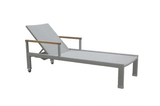 Picture of sunlounger without cushion from side