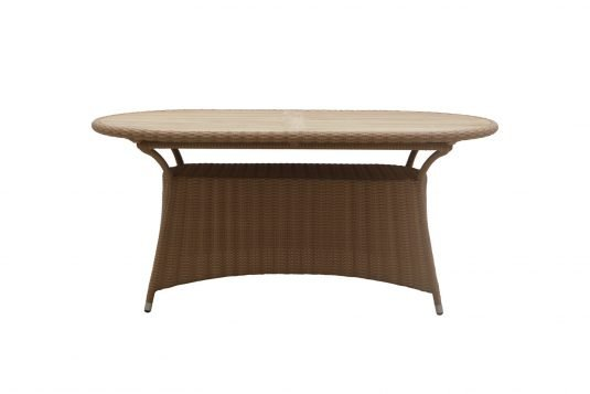Picture of oval dining table with fine sanded finishing