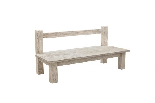Picture of garden bench with white sand wood finishing